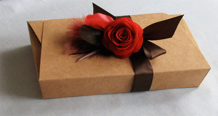 Boxwithrose